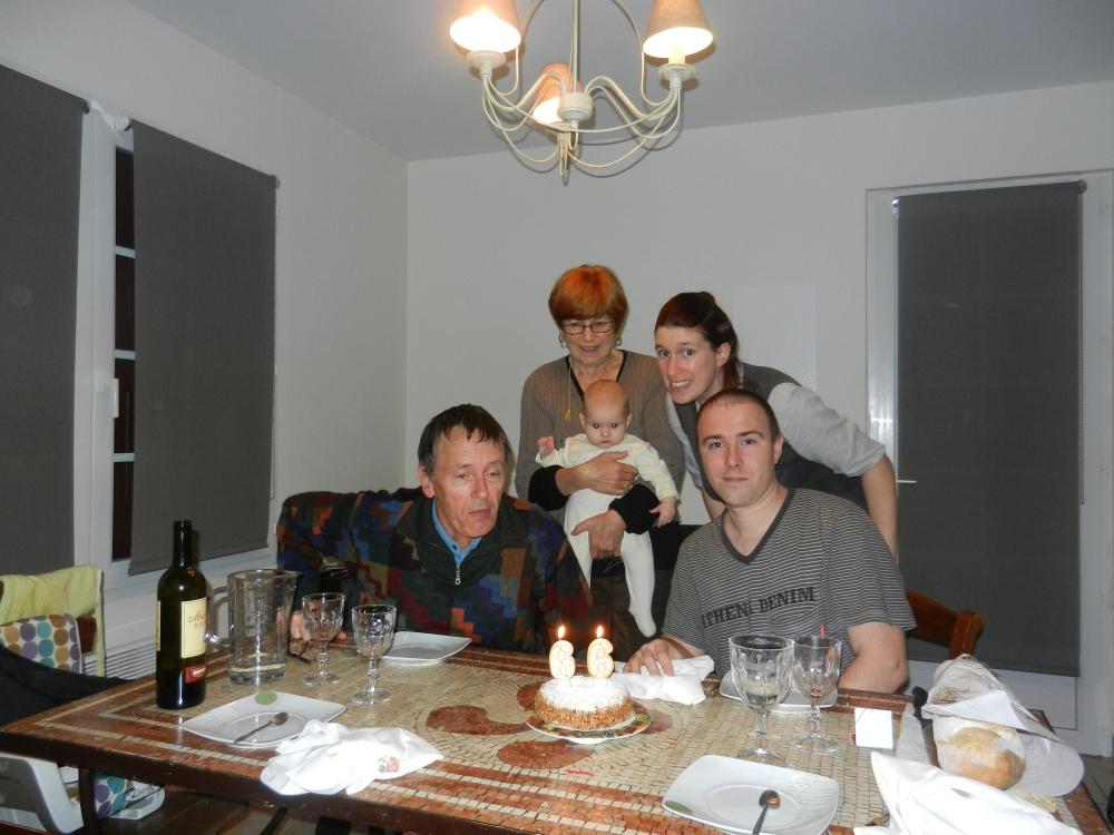 Papi Pierre souffle ses bougies