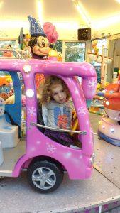 Aurélie dans le bus de la Reine des Neiges